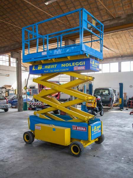 Noleggio-piattaforme-verticali-Forli-Cesena